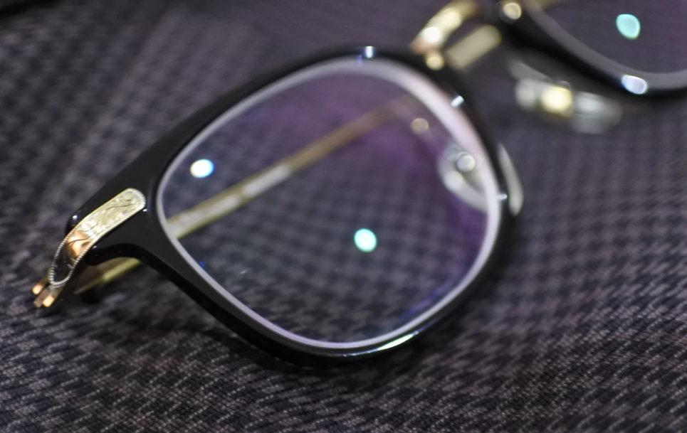 ツェツェのメガネ