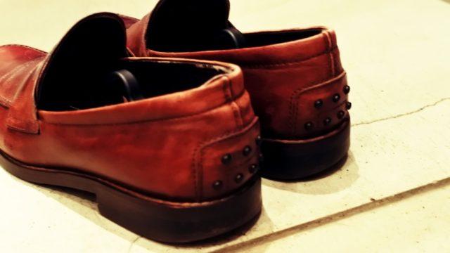 トッズの革靴