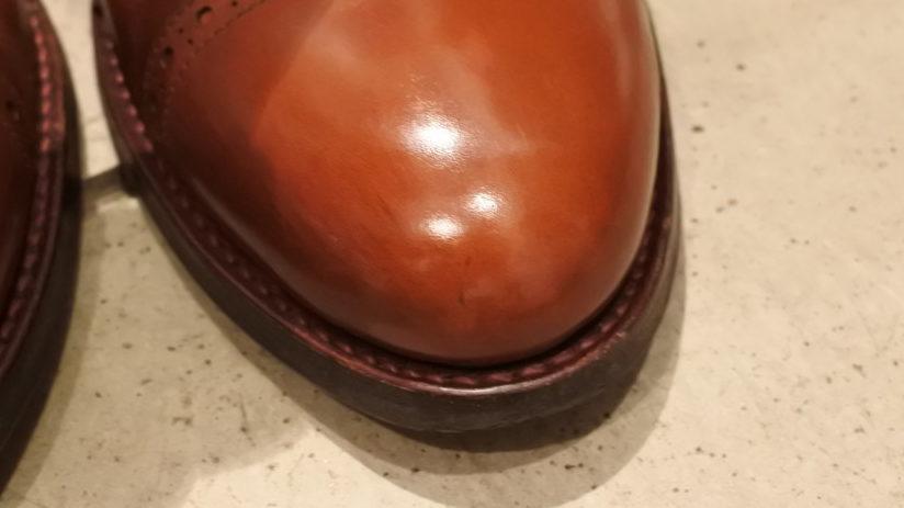 ジャランスリウァヤの革靴 鏡面仕上げ